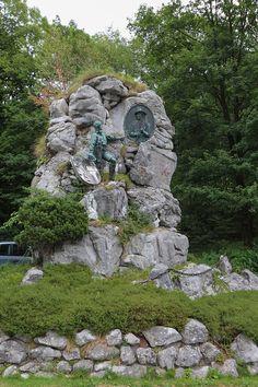 O monumento Struber na Passagem Lueg, que foi construído em 1898 por Hubert Spannring im Andenken em memória aos combatentes da liberdade sob o comando de Josef Struber que se opuseram às tropas francesas e bávaras. Em Golling an der Salzach, no estado de Salzburg, Áustria.    Fotografia: Hubertl.