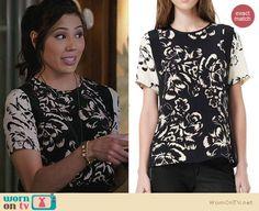 Angela's black and white floral top on Bones.  Outfit Details: http://wornontv.net/25183/ #Bones
