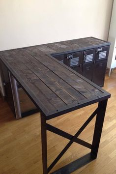 Table in pallet: 25 id - Wood Decora la Maison Steel Furniture, Industrial Furniture, Rustic Furniture, Industrial Style, Home Furniture, Table Palette, Woodworking Bench Plans, Welding Table, Cool Tables
