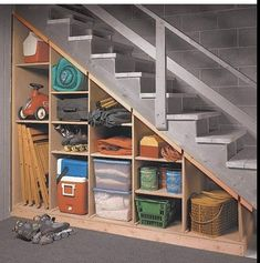 Under Basement Stairs, Under Stairs Cupboard, Basement Staircase, Basement Walls, Modern Staircase, Redo Stairs, Basement House, Spiral Staircases, Basement Bedrooms