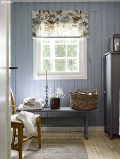 Home decored scandinavian swedish cottage Ideas Swedish Farmhouse, Swedish Cottage, Swedish House, Swedish Home Decor, Southern Cottage, Swedish Style, Farmhouse Interior, Farmhouse Style, Cottage In The Woods