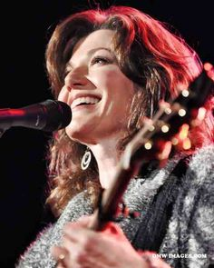Amy Grant Christian Music Artists, Christian Singers, Amy Grant, Vince Gill, Concerts, Country Music, Theatre, Ears, God
