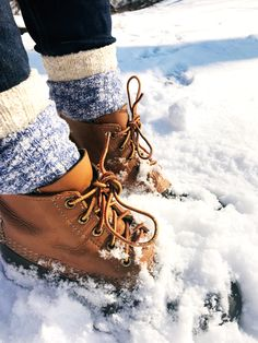 Th Charlie Bird: To Layer or Not to Layer. How do You Wear Your Bean Boots? | ll bean / duck boots / camp socks / ll bean sock / ll bean boots / ll bean duck boots / ll bean bean boots / ragg socks / preppy boots / preppy style / New England shoes | www.thecharliebird.com / IG: @thecharliebirdnyc / Pinterest: @evacharliebird / Twitter: @evacharliebird