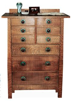 Stickley Dresser photograph by Ray Stubblebine, used with permission of The Craftsman Farms Foundation, Inc., Parsipanny, New Jersey