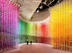 Color Mixing - discover this stunning flower installation by Emmanuelle Moureaux: http://www.thinktank.org.uk/blog/2340-color-mixing-a-flower-installation.php