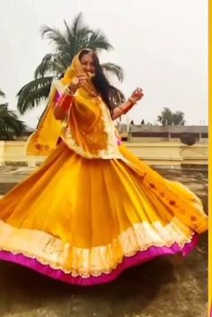 Indian Bridal Outfits, Indian Fashion Dresses, Dress Indian Style, Bridal Dresses, Fashion Outfits, Wedding Dance Video, Indian Wedding Video, Stylish Dress Designs, Stylish Dresses