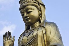 Invite Good Feng Shui Into Your Home with a Quan Yin Statue