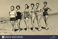 group-of-women-on-the-beach-italy-F6P8PY.jpg (1300×891)