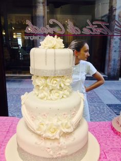 Wedding Cake , Brescia , ITaly , torte da matrimonio con decorazioni di cake design in pasta di zucchero