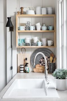 There is no question that designing a new kitchen layout for a large kitchen is much easier than for a small kitchen. A large kitchen provides a designer with adequate space to incorporate many convenient kitchen accessories such as wall ovens, raised. Decor, Home Kitchens, Kitchen Countertop Organization, Scandinavian Interior Design, Interior, Kitchen Interior, Interior Design Kitchen, Home Decor, House Interior