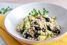Bulgur s avokádom, tuniakom a olivami Low Calorie Recipes, Healthy Recipes, Potato Salad, Healthy Life, Oatmeal, Tofu, Food And Drink, Smoothie, Low Carb