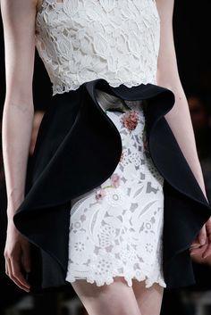 Giambattista Valli Fall 2015 Couture Fashion Show Details