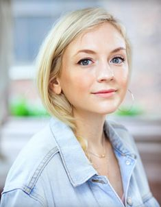 emily kinney gallery Emmy Kinney, Christine Woods, Grammy Museum, Beth Greene, Kevin Bacon, Iconic Photos, Famous Celebrities, American Actress, Hollywood