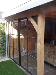 Stalen ramen in veranda of binnenshuis! Alles is mogelijk bij Verhoeven Metaalbewerking!  info@verhoevenmetaalbewerking.nl