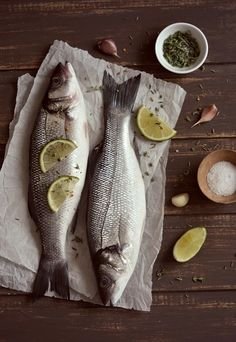 "Photo from album ""Мои фудфото"" on Yandex. Food Photography Styling, Food Styling, Fish And Meat, Fish And Seafood, Raw Food Recipes, Fish Recipes, Restaurant Plates, Meat Delivery, Fried Fish"
