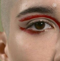 Eye Makeup Tips.Smokey Eye Makeup Tips - For a Catchy and Impressive Look Male Makeup, Makeup Tips, Men With Makeup, Makeup Man, Star Makeup, Make Up Looks, Beauty Make-up, Hair Beauty, Make Carnaval