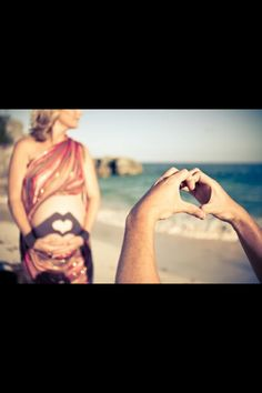 This would be so perfect for us to do again! Pregnancy photos