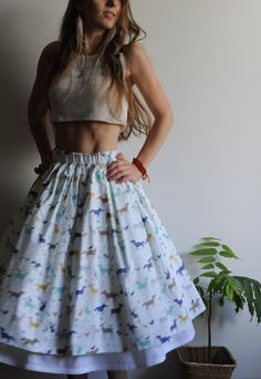Купить или заказать Хлопковая юбка с рисунком 'звери' в интернет-магазине на Ярмарке Мастеров. Хлопковая юбка на резинке из ткани с рисунком 'звери'. Подъюбник пришит к поясу юбки, по подолу пришито хлопковое кружево.