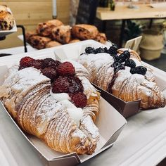 Discovered by ♛Tahmina♛. Find images and videos about food, sweet and fruit on We Heart It - the app to get lost in what you love. I Love Food, Good Food, Yummy Food, Food Trucks, Food Porn, Cafe Food, Foodblogger, Aesthetic Food, Food Cravings