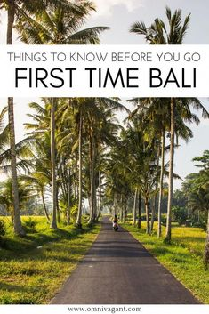 Traveling to Bali for the first time? Be sure to check these things to know before you go to Bali. Read where to stay in Bali, what to wear in Bali, when to go to Bali, about tipping in Bali and much much more. This is the ultimate list of Bali travel tip Bali Travel Guide, Travel Advice, Asia Travel, Travel Tips, Travel To Bali, Bali Trip, Rv Travel, Travel Hacks, Travel Packing