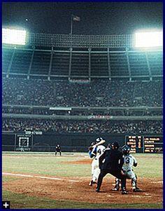 Hank Aaron hits No. 715 #HRKing     http://sportsillustrated.cnn.com/baseball/mlb/features/1999/aaron/aaron_story/aaron16_sm.jpg