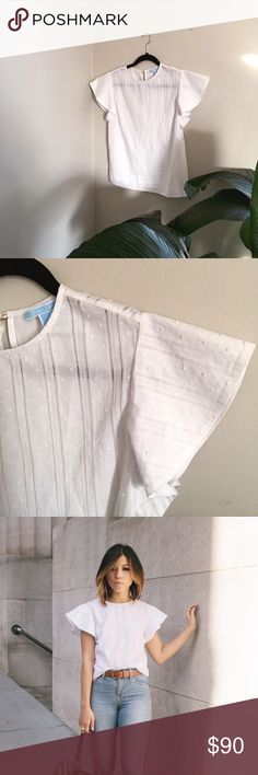 Draper James White Butterfly Sleeve Top Beautiful, classic white top from Reese Witherspoon's line, Draper James. Only worn once so it's in PERFECT condition! Draper James Tops Blouses