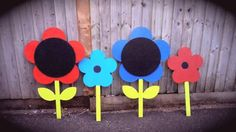 Outdoor flower chalkboards Outdoor Classroom, Classroom Ideas, Outdoor Chalkboard, Outdoor Flowers, Chalkboards, Preschool Ideas, Chalkboard, Classroom Themes