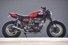 Triumph cafe bike built by Mule Motorcycles.