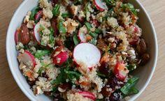 Quinoasalade met cranberry's en geroosterde amandelen