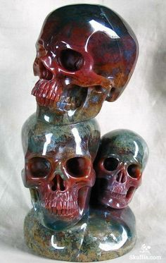 Skullis.com: So many awesome skulls.