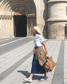 Prada Bag, My Outfit, Midi Skirt, My Style, Instagram, Skirts, Shopping, Sneakers, Summer