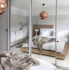 This Nordic home of in Alesund is the Winner of Gullfjæren Interiør Award. - Home Decor Alesund, Modern Bedroom Decor, Decor Room, Bedroom Themes, Bedroom Inspo, Bedroom Ideas, Home Decor Shops, Scandinavian Home, Home And Deco
