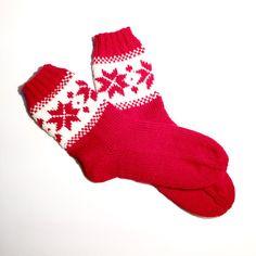 Hand knit Norwegian socks EU 36/37 US 5.5/6.5 by MartesKnitting #knit #knitting…