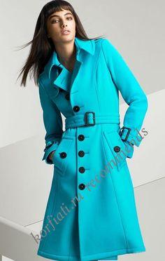 Бирюзовое двубортное пальто