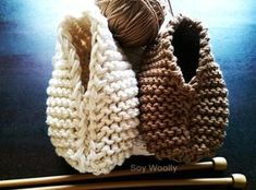Botitas, patucos, escarpines, zapaticos con dos agujas-Soy Woolly Knitting Socks, Free Knitting, Baby Knitting, Crochet Baby, Knit Crochet, Knitting Ideas, Learn How To Knit, Vintage Box, Baby Booties