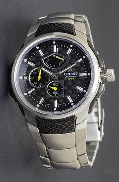 3D dial on a Sporty Automatic