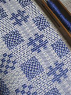 svartåsen daldräll - hemstitching - Blue and white can't be beat.