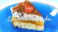 Wiemy, że kochacie szarlotkę. Macie to pewnie po rodzicach, którzy w czasach PRL szaleli za szarlotką królewską. Lata lecą, słodyczy przybywa, a ten smak wciąż zachwyca.   Składniki na biszkopt: 5 jajek (białka i żółtka osobno) 160 g cukru 100 g mąki tortowej 35 g mąki ziemniaczanej szczypta soli  Składniki na warstwę jabłkową: 1,5 l prażonych jabłek 2 galaretki o smaku cytrynowym  Składniki na warstwę śmietanową: 500 ml śmietanki 30% 2 łyżki cukru pudru 1 opakowanie cukru z prawdziwą…