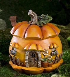 Miniature Fairy Garden Pumpkin House | Halloween Decorations