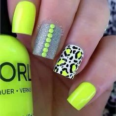 Bright and sunny colored leopard nail art design. This nail art design has a citrus feel into which makes it look fun and jolly at the same time. Neon Nails, Love Nails, Diy Nails, How To Do Nails, Pretty Nails, Bright Nails Neon, Yellow Nails, Leopard Nail Art, White Leopard
