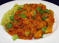 Red lentils and zucchini curry Zucchini Curry, Lentils, Quinoa, Healthy Recipes, Healthy Food, Clean Eating, Paleo, Low Carb, Vegetarian