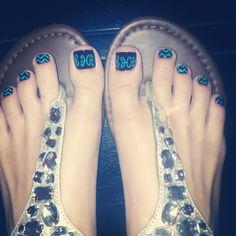 Monogrammed Toes w/ Chevron!!
