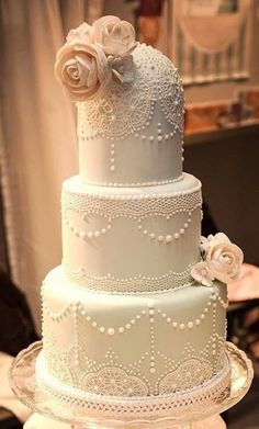 elegant vintage style wedding cake ...   Vintage Weddings