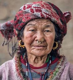 RemotExpeditions (@remotexpeditions) op Instagram: '@remotexpeditions #remotexpeditions An elder in the Kulunge Rai village of Sahdi in remote eastern…'