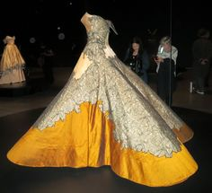 Idiosyncratic Fashionistas: Charles James Beyond Fashion