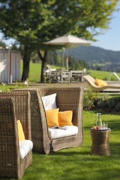 The Berghotel Maibrunn in the Bavarian Forest offers a design-oriented tradition. Unique panoramic location directly at the in-house ski lift. Outdoor Sofa, Outdoor Furniture Sets, Outdoor Decor, Bavarian Forest, Ski Lift, Sauna, Design Hotel, Traditional Design, Cosy