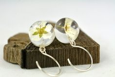 Earrings with real flowers of spirea Spirea sp. in от Caldesia