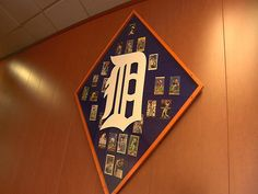 How to Make a Baseball Card Display : How-To : DIY Network (how to organize a bathroom fit) Sports Memorabilia Display, Baseball Card Displays, Mini Man Cave Ideas, Hockey Cards, Baseball Cards, Football Man Cave, Home Bar Accessories, Ultimate Man Cave, Man Cave Home Bar