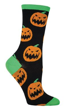 Smiling jack o-lanterns make these a cheerful Halloween sock for a frightening holiday. Available inpurple or black Crew length Fits women's shoe size 5-10 A