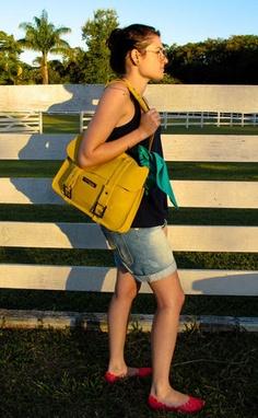 maleta, maleta amarela, yellow case, case, bag, yelllow bag, yellow, galochamarela, fashion